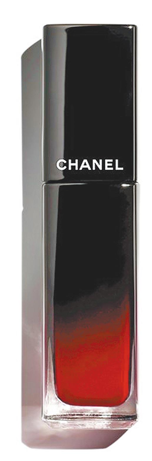香奈兒超炫耀釉光脣萃#80永恆,1280元,10月上市。(香奈兒提供)