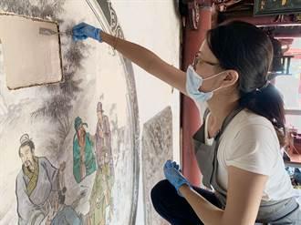 大天后宮灰壁畫脫妝嚴重 「敷面膜」將花3年長照