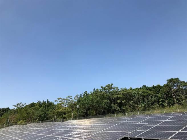 中市府帶頭設置太陽光電盼引領企業及民眾參與。(台中市政府提供/陳世宗台中傳真)
