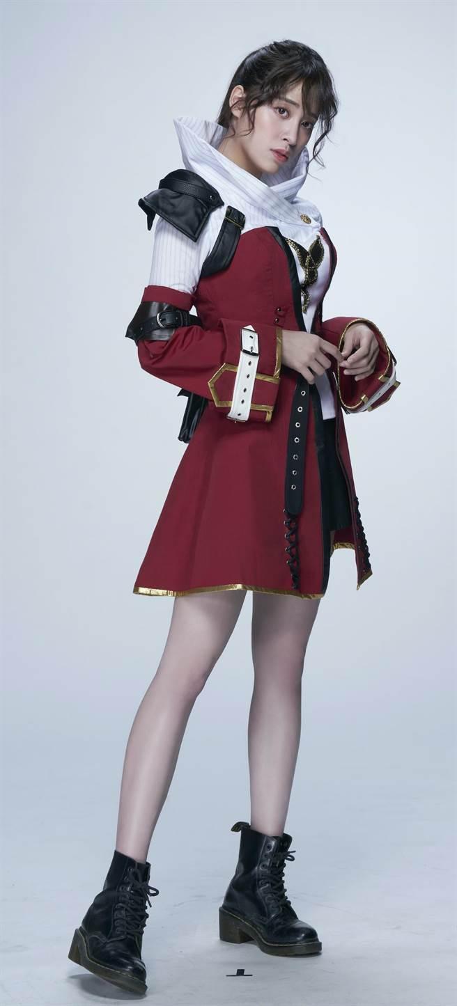 歐陽妮妮《腦波小姐》動畫造型合身剪裁,身材曲線畢露。(麗象影業提供)