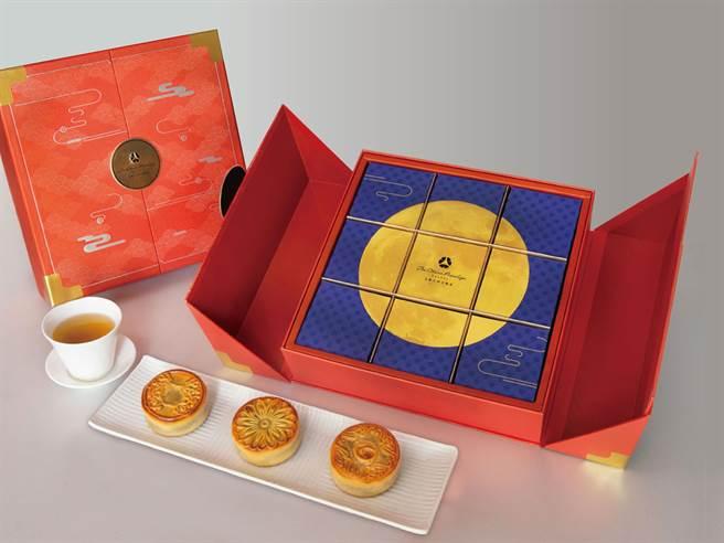 「祥瑞云月礼盒」3种口味,桂圆红枣、乌鱼子咸蛋黄莲子乌豆沙、奶皇蛋黄各3入。(大仓久和大饭店提供)