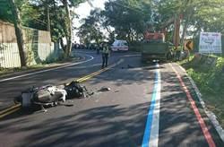 直擊!139縣道重機過彎自摔 20歲騎士瞬間被大貨車輾斃