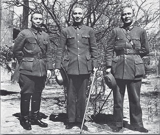 李宗仁(左起)、蔣介石、白崇禧。(本報系資料照片)