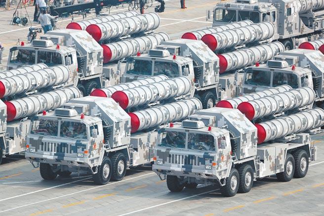 2019年10月1日,大陸「十一」閱兵,紅旗-9B飛彈亮相。(新華社)