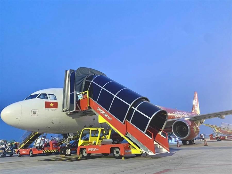 越捷航空於河內的內排機場營運超過30條國內與國際航線。(圖/越捷提供)