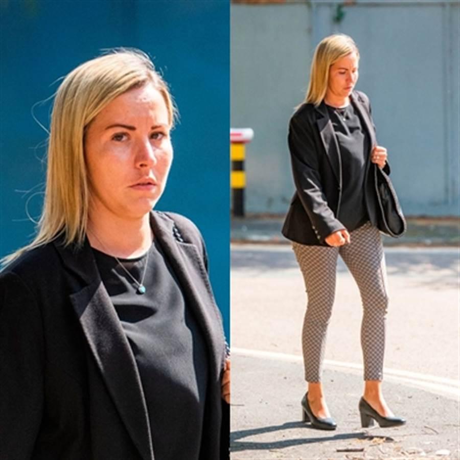 英國有1名金髮美女教師被指控與小學生車震數回合。(The Mirror News翻攝)