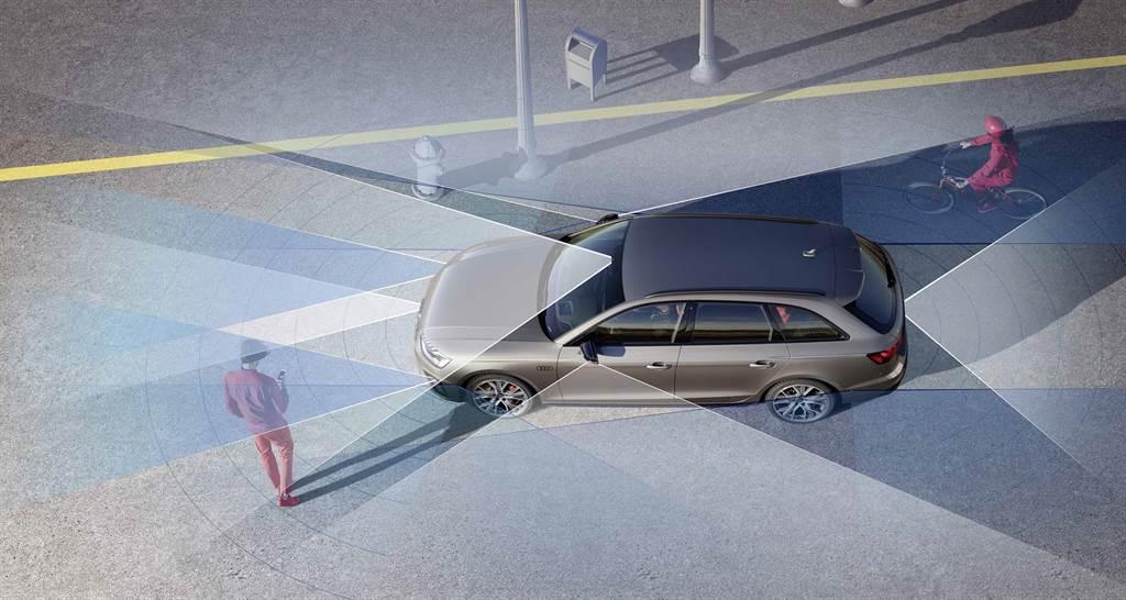 全車系標配公路行車輔助套件及都會行車輔助套件。