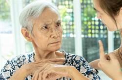失智症非正常老化 對症治療才有助延緩病情惡化