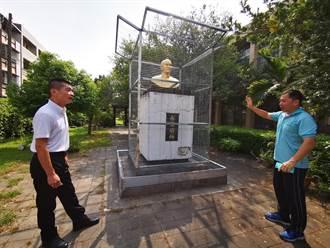 去威權化蔣公被關鐵籠 校方喊冤:配合中央「綠化」