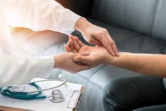 容易低血壓 醫師曝常見4種不良習慣所引起