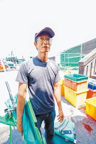 漁民竹筏救人 能救一個是一個