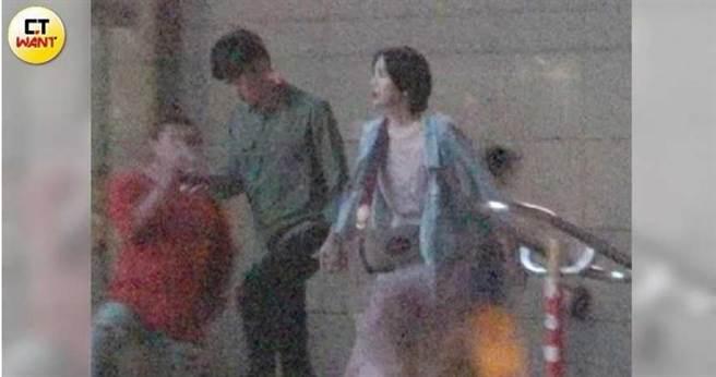 曾玟學本月2日上台北後就一直與賴品妤形影不離,還一起去「換髮型改衰運」。(圖/本刊攝影組)