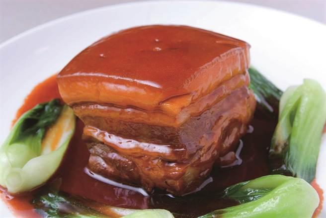 「點水樓」的菜色兼具中菜的深度與廣度,從大菜到小點都非常講究。圖為點水烤方(圖/點水樓)