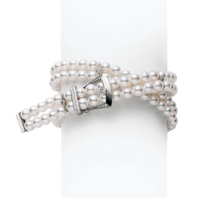 MIKIMOTO Boucle Precieuse系列珍珠手鍊,也可當項鍊佩戴,33萬4000元。(MIKIMOTO提供)