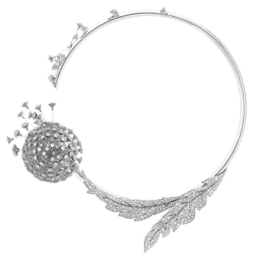寶詩龍Avant le Frisson蒲公英主題項鍊,鈦金屬鑲嵌鑽石。(Boucheron提供)