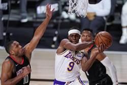 NBA》隆多助攻抄截三分球 助湖人摧毀火箭