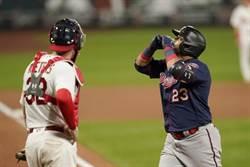 MLB》雙重賽都開轟 40歲克魯茲創紀錄