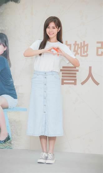 任容萱宣布「當媽」 見女兒卡片落淚:壓力很大