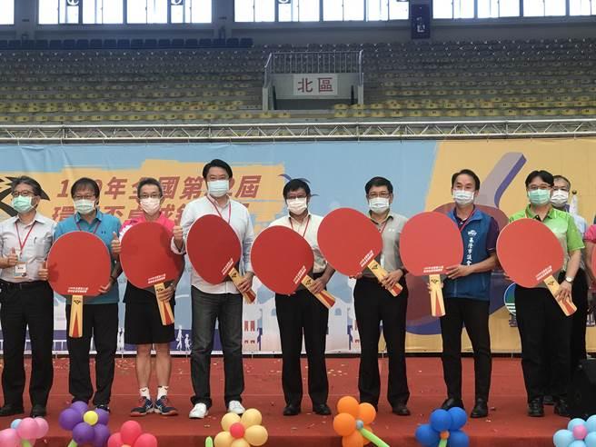 基隆市政府首次與環保署合作,主辦全國第32屆環保盃桌球錦標賽, 9日在市立體育館舉行為期3天的賽程。(陳彩玲攝)
