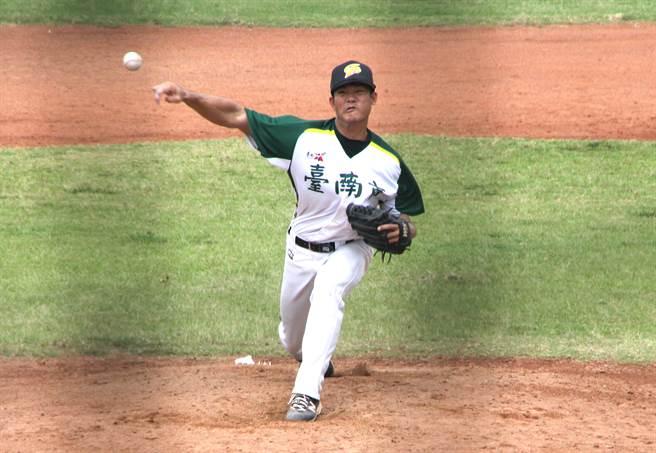 台南市黃宗龍 先發6.2局失1分奪勝。(中華棒協提供)