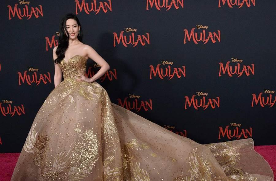劉亦菲主演的電影《花木蘭》在上周上映,票房走高、成績亮眼。(圖/達志影像)