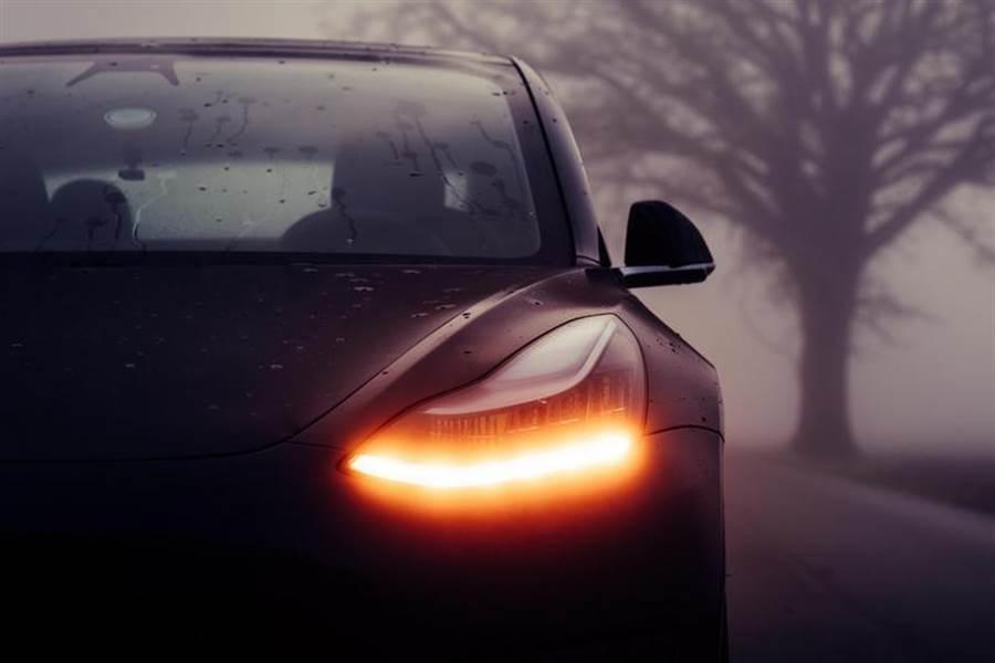 爆料指特斯拉新車即將登場!箱型車、緊湊車型、而且不只一部?!
