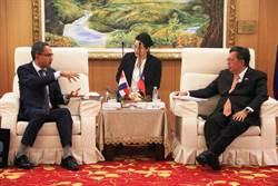 荷蘭在臺辦事處代表訪桃園 鄭文燦幫慶生 譚敬南驚喜:很感動