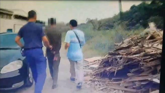 警方逮捕這名怪男,全案依社會秩序維護法裁處。(鳳山分局提供/柯宗緯高雄傳真)