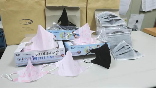 經濟部標檢局自市面上購得的豪品3D口罩,確認並非台灣製醫用口罩,而是以陸製非醫用口罩改包裝外盒後冒充。(謝瓊雲攝)