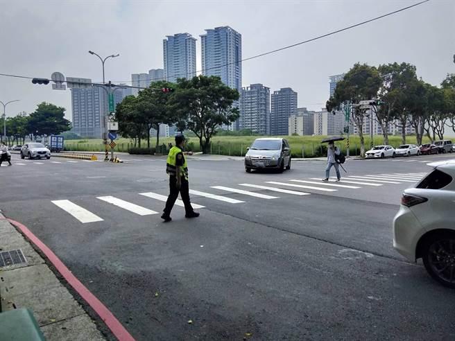 警方9月加強路口執法,林口、泰山一周取締違規破千件。(林口警分局提供/許家寧新北傳真)
