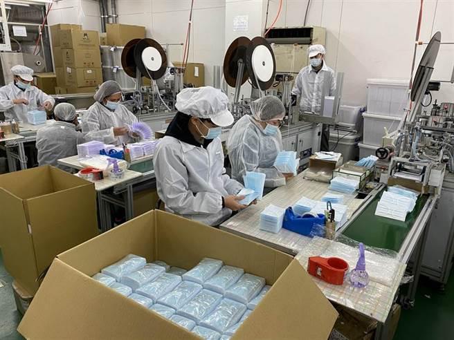 圖為口罩工廠。(中時資料照)