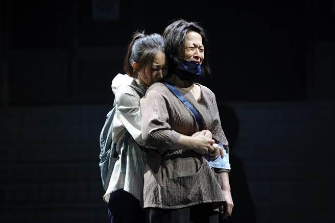 謝瓊煖再度飾演「李媽媽」。(故事工廠提供)