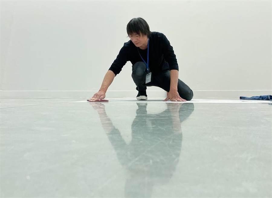 台灣觀念藝術代表藝術家賴志盛,即將於高雄金馬賓館當代美術館舉辦個展《繞梁》。圖/永添藝術提供
