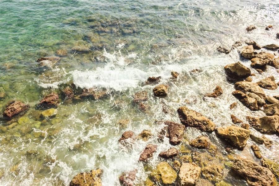 海邊礁石驚見「半截死白人指」網一看毛骨悚然(示意圖/達志影像)