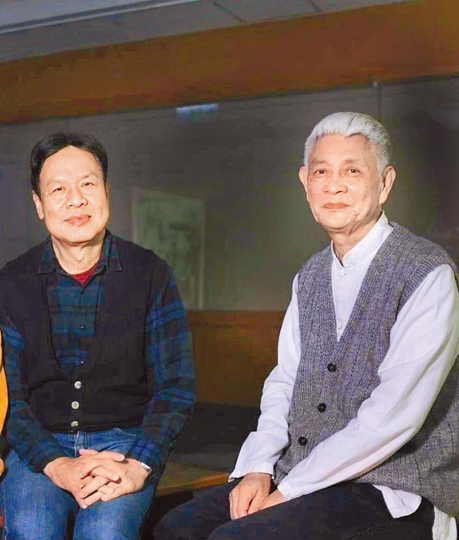 古蒙仁與王鎮華於第一屆時報文學獎頒獎典禮相識至今。(本報資料照片)