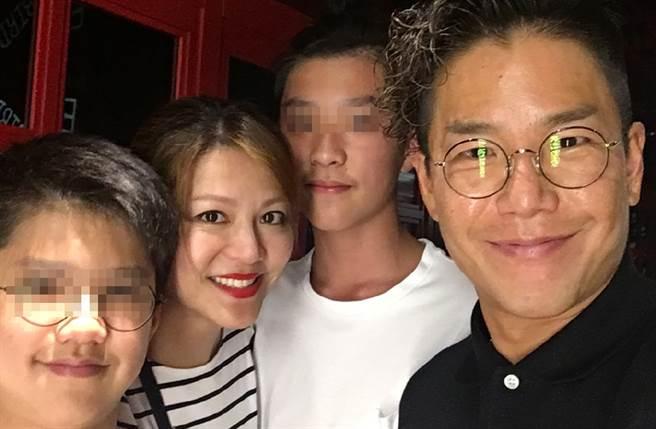 林曉峰宣告和康子妮18年婚姻玩完。(圖/翻攝自林曉峰lo微博)