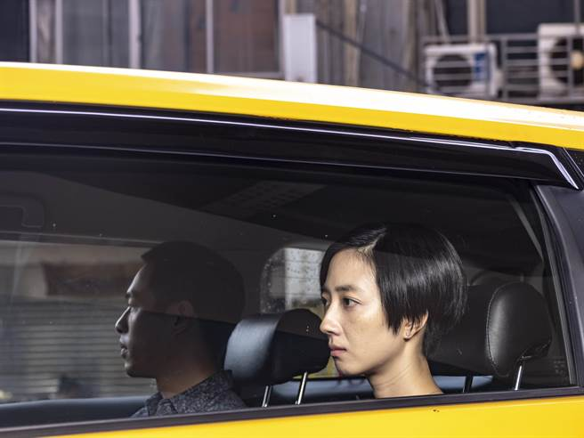 導演張耀升透露電影《腿》拍出桂綸鎂(右)最深情的告別。(甲上提供)