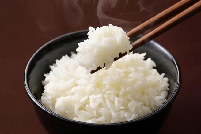 煮白飯「加一味」米粒香甜剔透 壽司店也愛用(示意圖/達志影像)