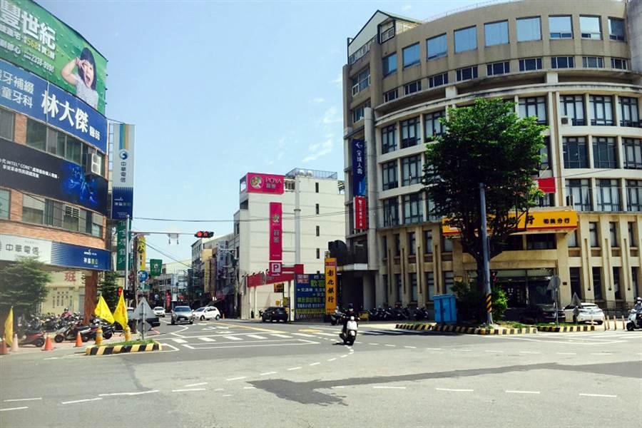 彰化和美鎮的南環商圏距離Google資料中心20分鐘車程,商店林立、生活機能佳。(台灣房屋提供)