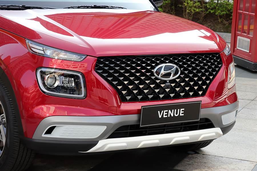單一動力、三種等級,韓系殺手級小休旅Hyundai Venue 65.9萬起正式發表!