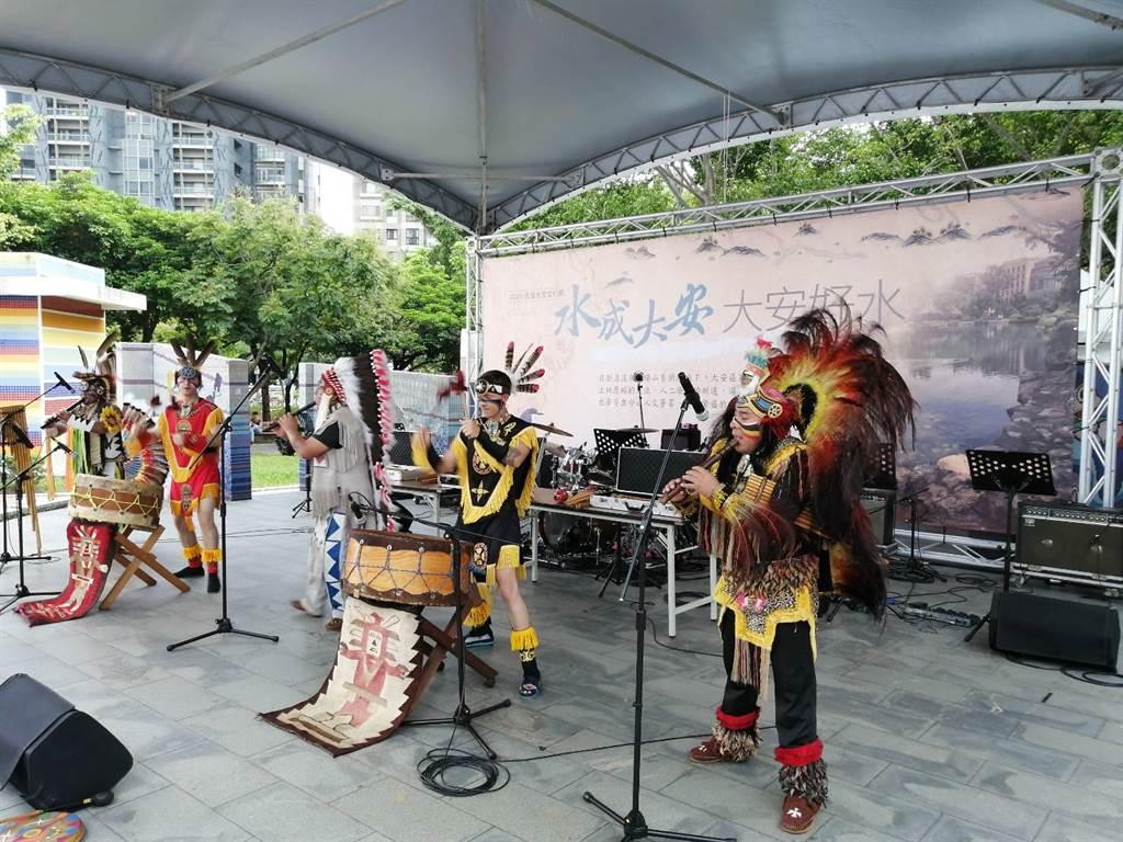 國內著名的安地斯樂團,源自美洲安地斯山玻利維亞,以膾炙心靈的世界民族音樂打動人心。(大安公所提供)