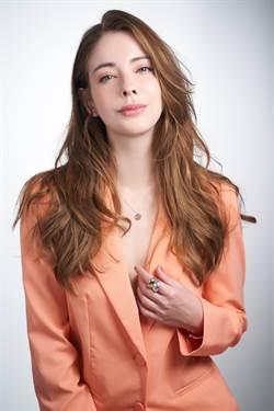 女星安妮演繹Sisley妝容 優雅與美麗兼具