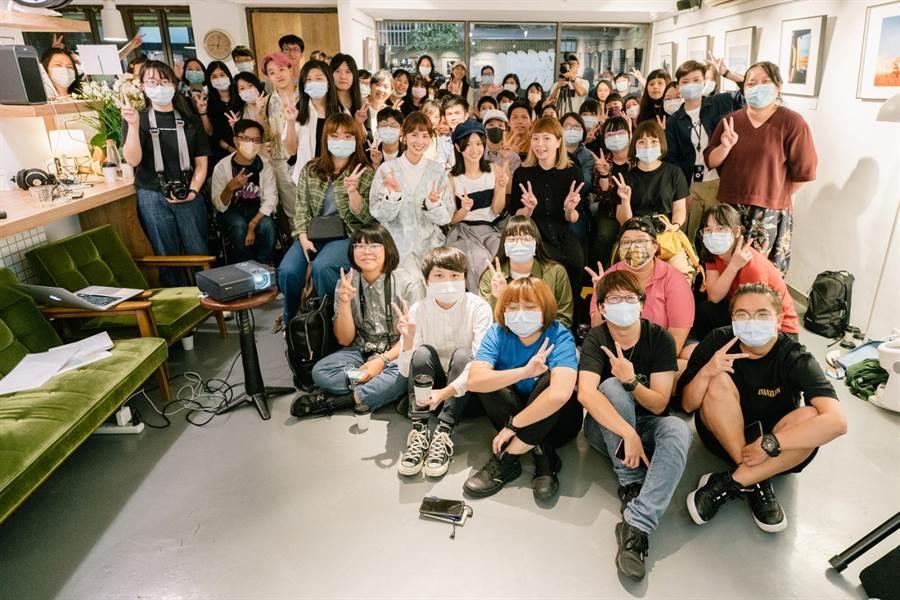 近百名粉絲參與「雙木林」攝影座談。(TVBS提供)