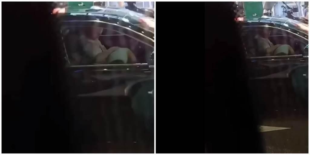 等紅綠燈驚見一轎車副駕駛座女,朝駕駛褲擋趴著上上下下。(圖/翻攝自爆廢公社公開版)