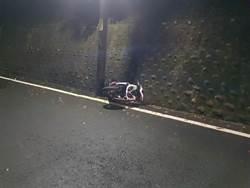 16歲少年無照騎車揪好友夜衝 自撞電線桿滿地鮮血亡