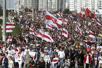白羅斯政府封閉首都廣場 並拘留示威者