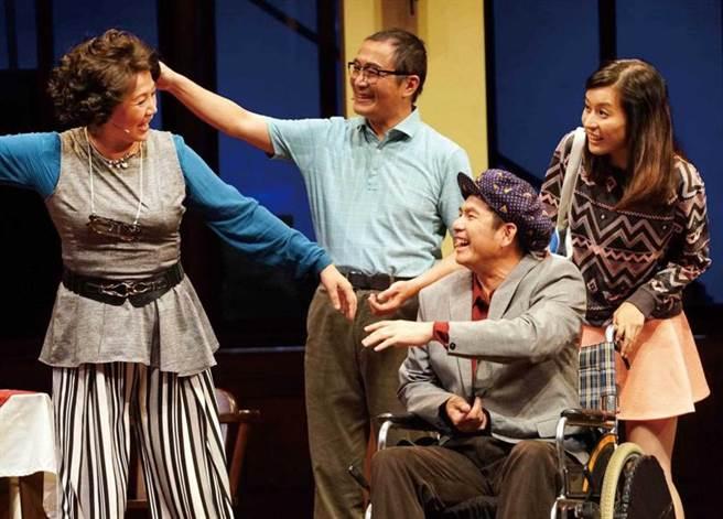 廖曉彤參與《同學會》等多部舞台劇演出磨練演技。(圖/翻攝自網路)