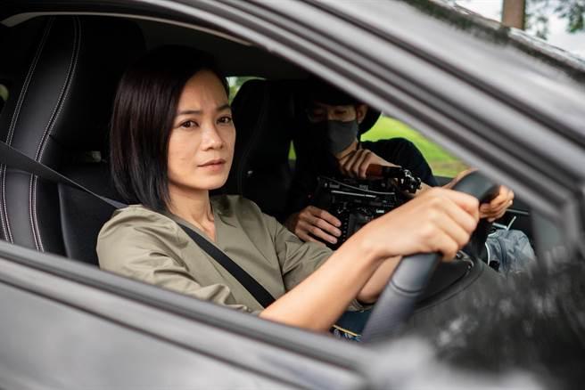 楊雁雁在2020金馬形象廣告的工作照。(金馬執委會提供)