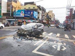 高速逆向衝撞8車 駕駛重傷