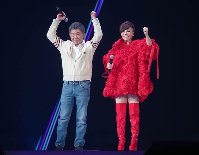 詹雅雯30周年巡迴演唱會台北小巨蛋場,圖左為衛福部長陳時中。(資料照,粘耿豪攝)